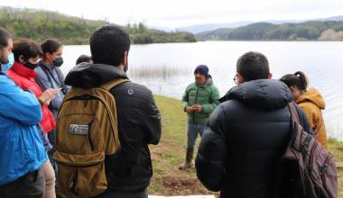 Laboratorio Territorial: Estudiantes de Magíster en Ciencias Sociales inician retorno a la semipresencialidad con visita a la Laguna Trinidad y Estero Pucopio